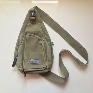 Vintage Sling bag in green